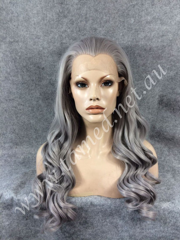 NICCI GRAPHITE - Tamed wigs and makeup