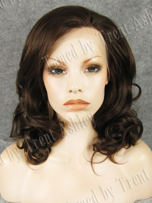 EMILY MOCHA - Tamed wigs and makeup