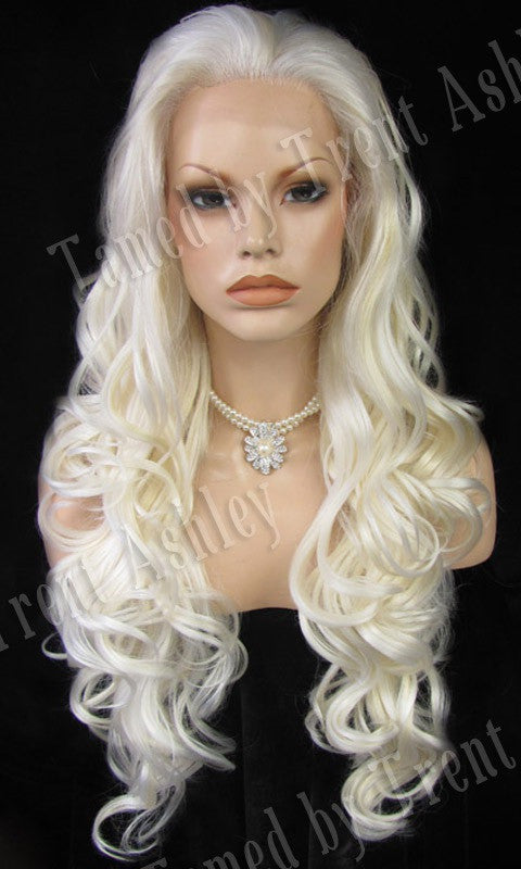 KIM ANGELIC - Tamed wigs and makeup