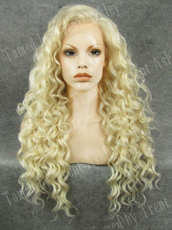 DIANNA ANGELIC - Tamed wigs and makeup