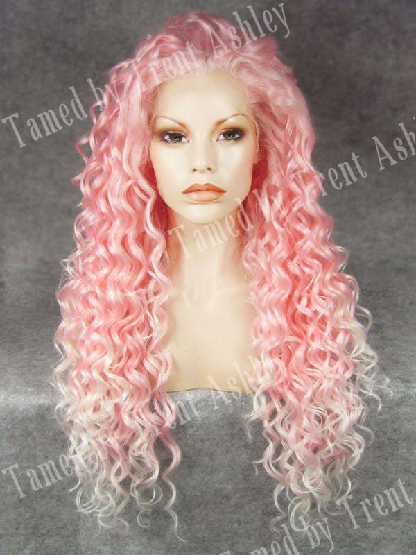 DIANNA PINK KISSES - Tamed wigs and makeup