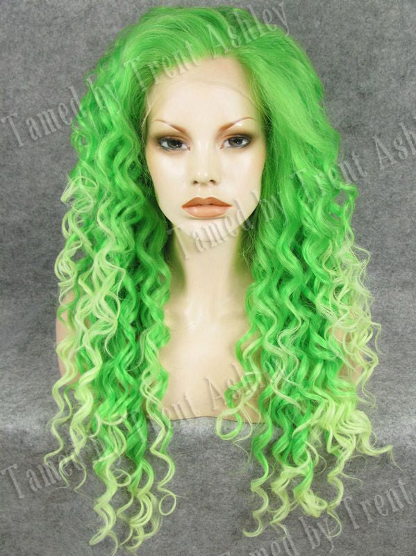 DIANNA VERDE - Tamed wigs and makeup