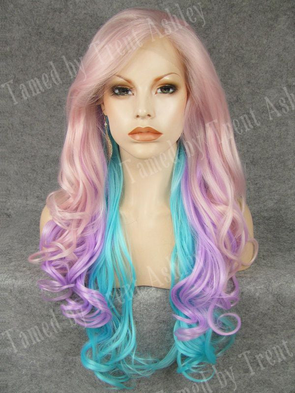 KIM PASTEL PARIDISE - Tamed wigs and makeup