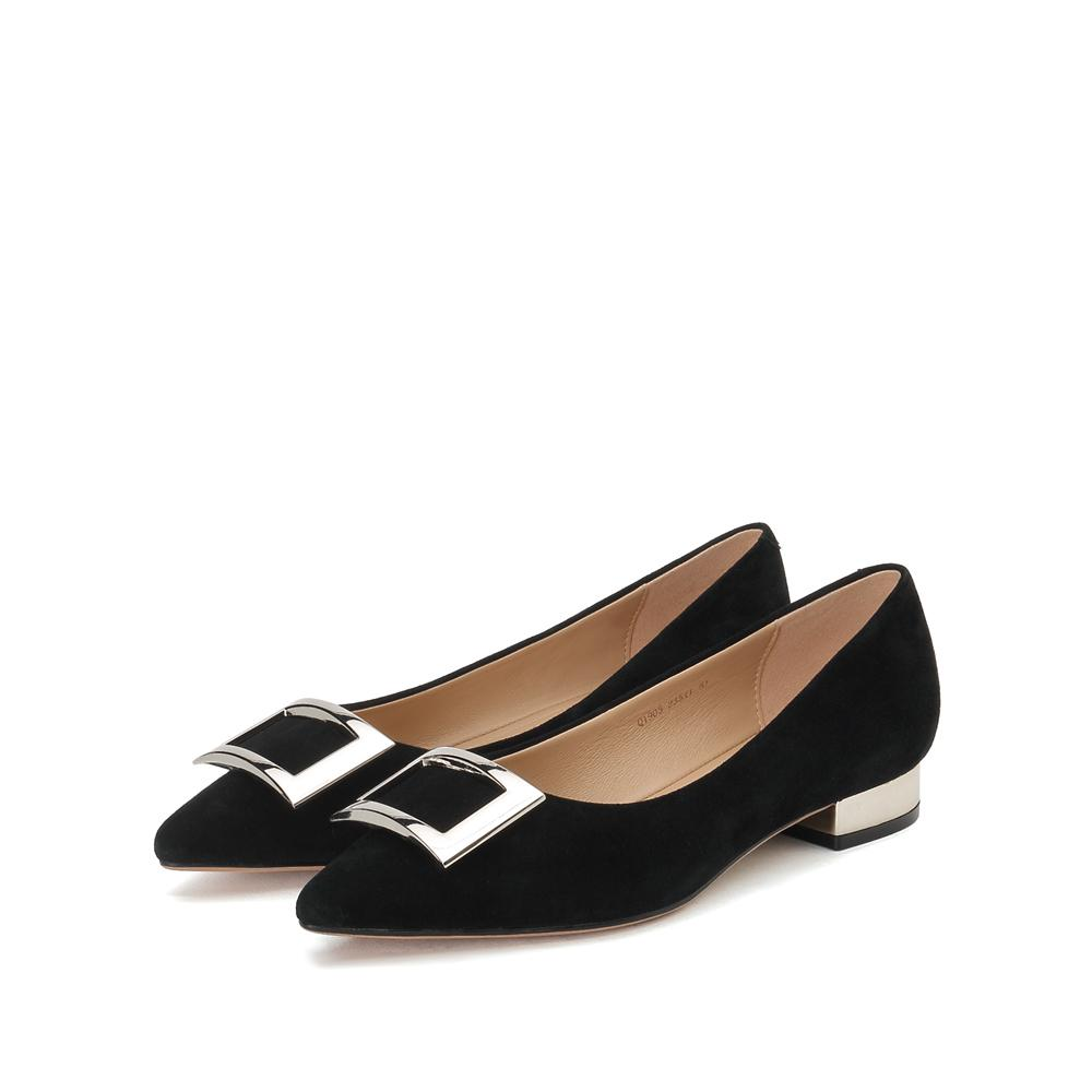 METAL BUCKLE SUEDE PUMPS