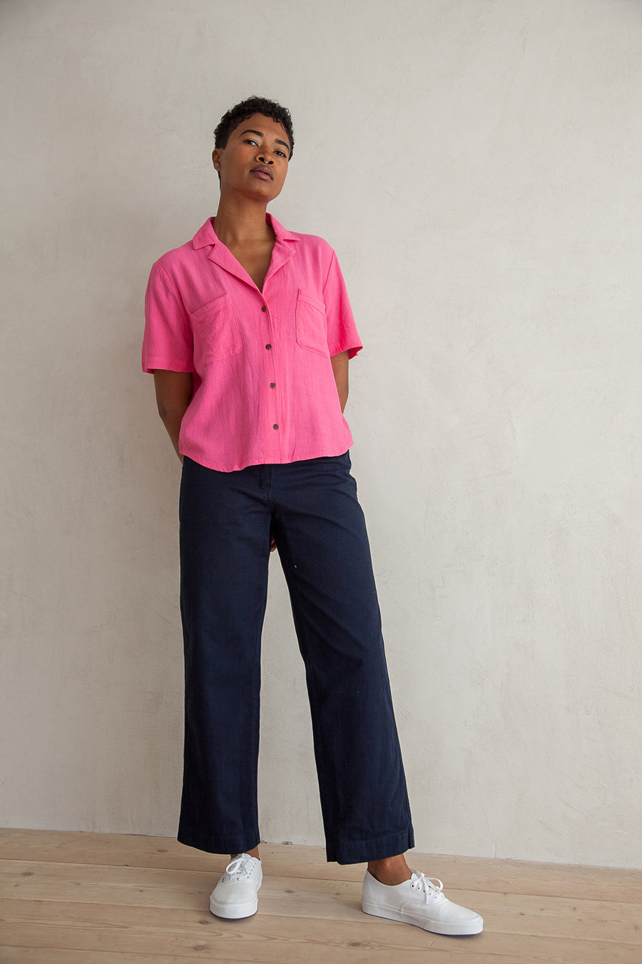 NOTCH COLLAR TOP - HOT PINK