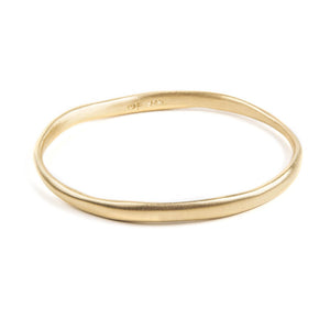 BRUSHED BANGLE - GOLD