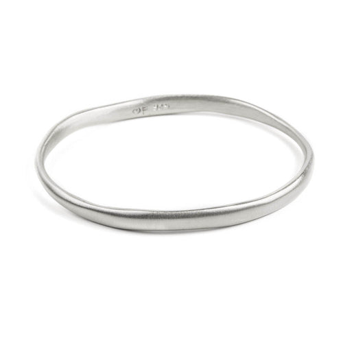 BRUSHED BANGLE - SILVER