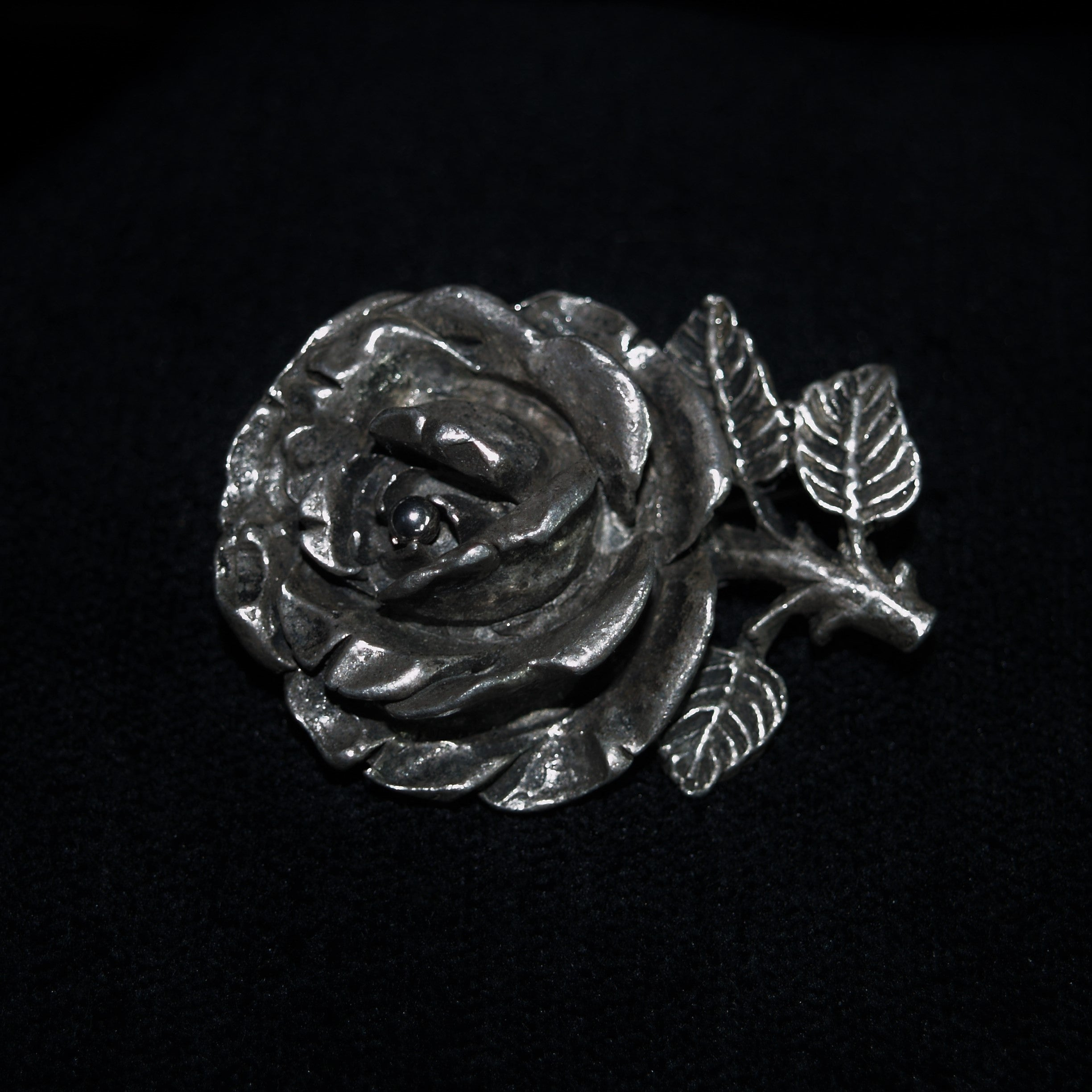 Retro Miracle Pewter Rose Brooch.