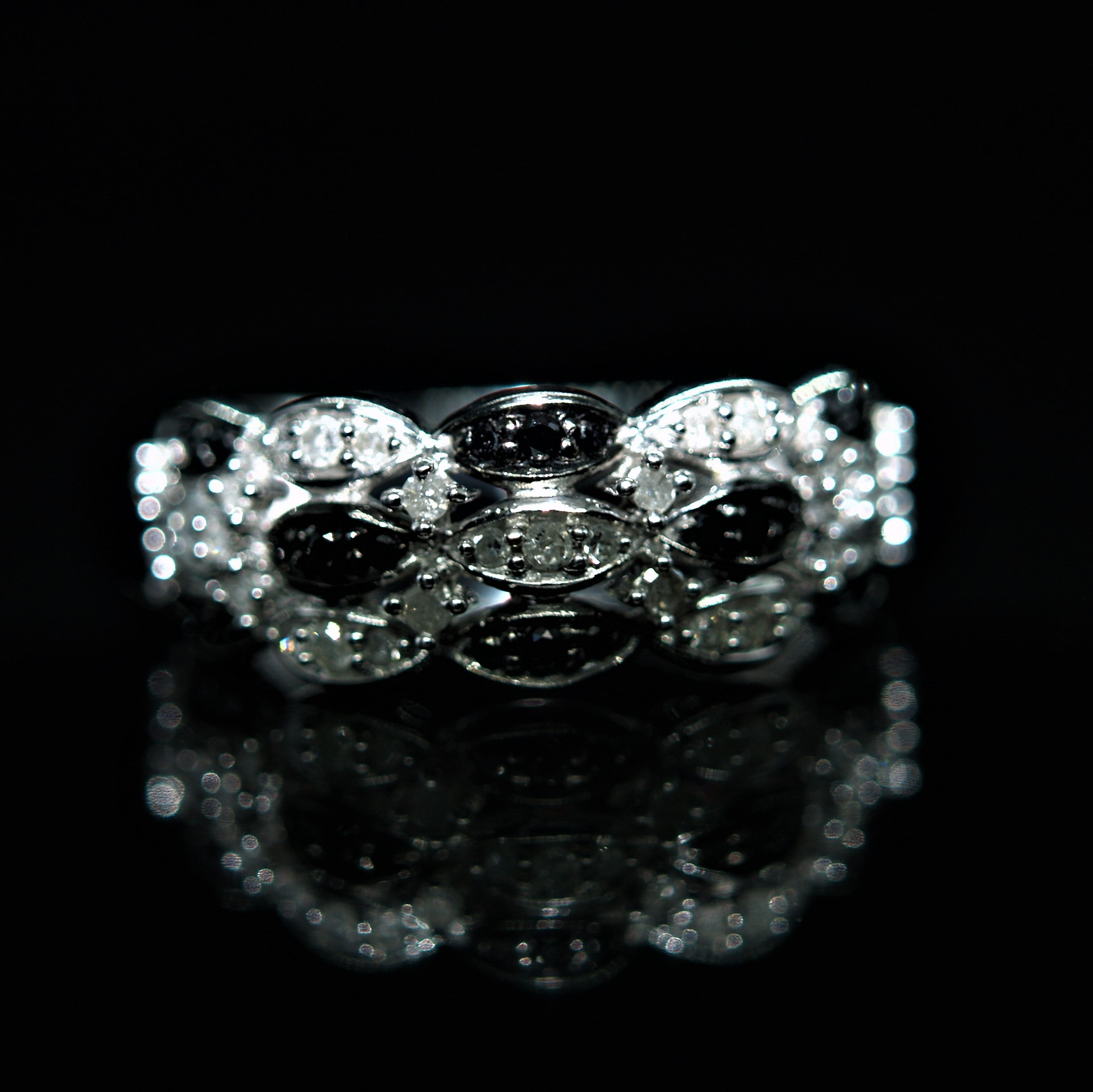 9ct White Gold Black & White Diamond Ring.