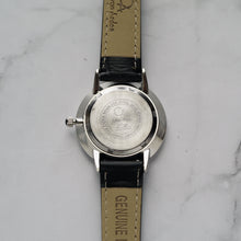 Load image into Gallery viewer, Christyan Arden ADONIS CA-0032 - Around The World Edition - Black Dial - Black Full Grain Strap (Wanita)