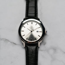 Load image into Gallery viewer, Christyan Arden ICARUS CA-001 - Around The World Edition - Silver Sunburst Dial - Black Full Grain Strap (Pria)