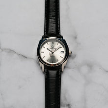 Load image into Gallery viewer, Christyan Arden ICARUS CA-001 - Around The World Edition - Silver Sunburst Dial - Black Full Grain Strap (Wanita)