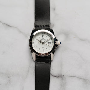 Christyan Arden Full Grain Leather CA2452 Black - White Dial (Wanita)