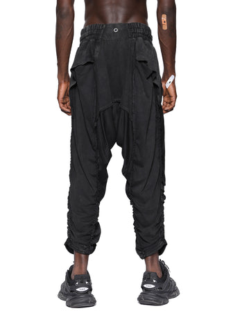 EXPOSED SEAMS PANEL LAYER SWEATPANT