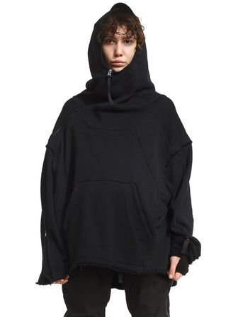 VOID SHOULDER HOODIE WITH MAYA-STUDS