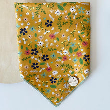 Load image into Gallery viewer, Country Garden Bandana