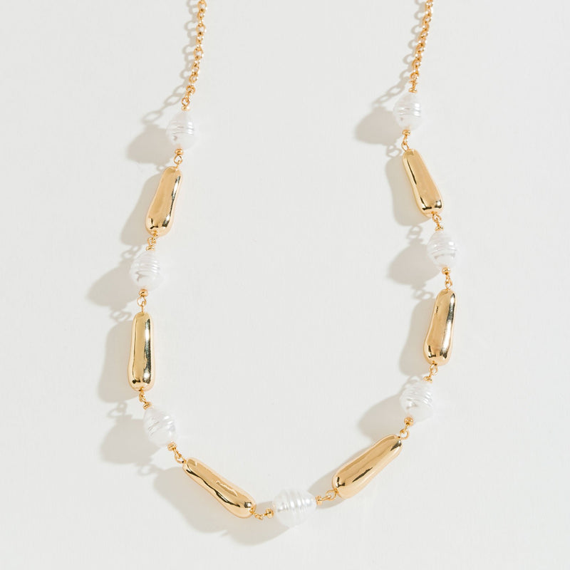 GOLD AND PEARL LONG NECKLACE
