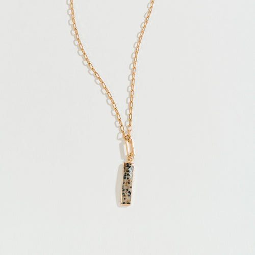 RECTANGLE STONE WITH GOLD CHAIN PENDANT NECKLACE