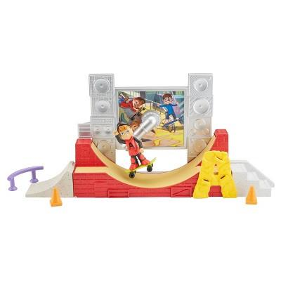 Fisher-Price Alvin and the Chipmunks 360° Stunts Skate Park