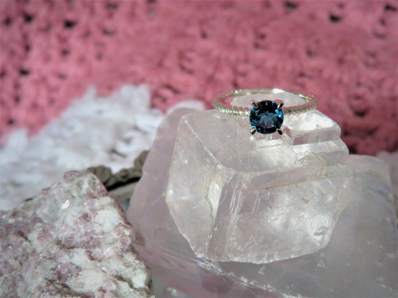 Solitaire Ring - London Blue Topaz
