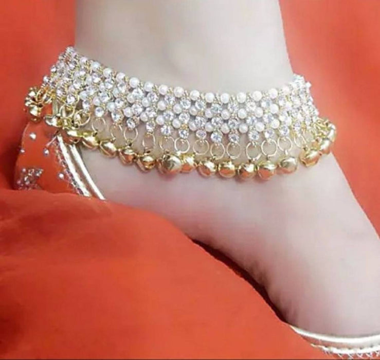 Ladies Beautiful Alloy Anklets