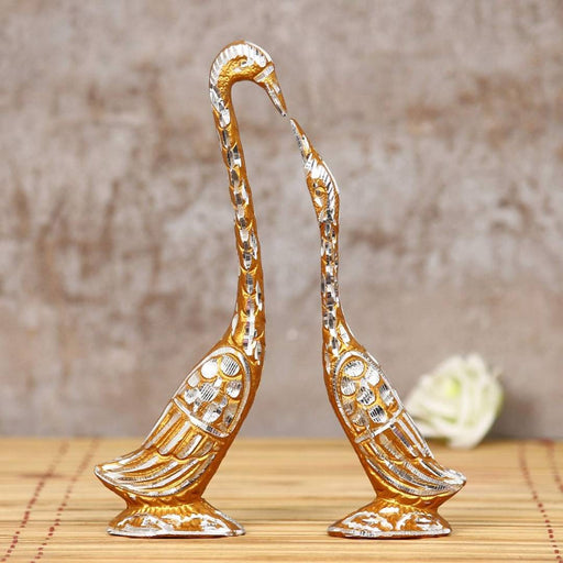 Metal Swan Cute Love Birds Couple Kissing Each Fancy Showpiece for Home Decor Statue Idol Vastu Fang sue Traditional Miniature Positive Vibes Birthday Best friendship Diwali Gift 28 cm