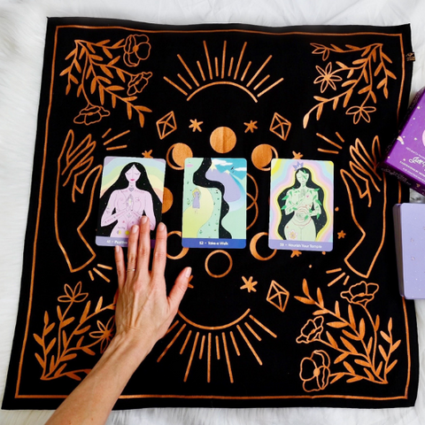 A Beginner's Guide to Oracle Cards by Goddess Provisions