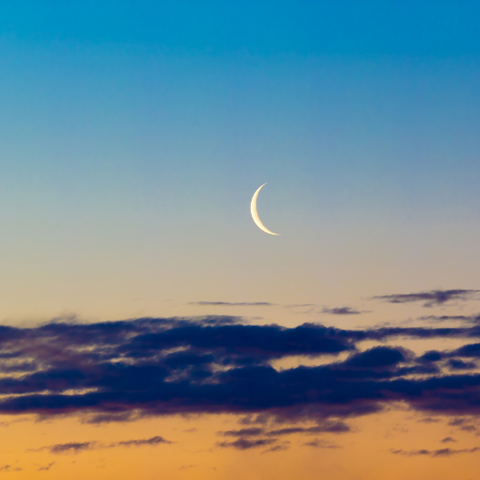 How to Manifest with the Moon by Goddess Provisions
