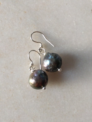 Grey juicy pearl earrings