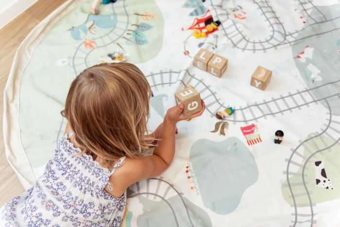 Trainmap/Bears Playmat and Storage Bag 140cm | Play & Go | Little Lights Co.