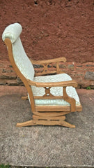 318.....Lovely American Rocking Chair Vintage Oak Rocking Chair
