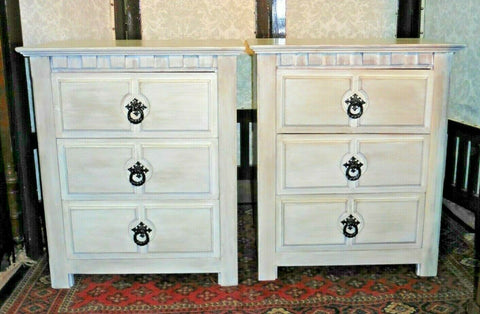 383.....A Pair Of Refinished Pine Bedside Chests / Bedside Tables