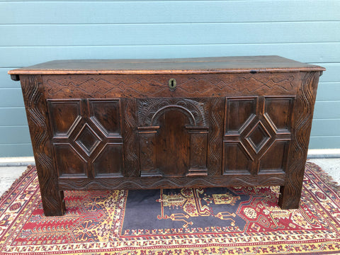 159.....17th Century Antique Carved Oak Coffer / Antique Carved Oak Chest