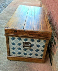 Fabulous Vintage Storage Chest / Blanket Box / Travel Trunk
