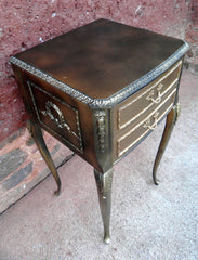 Pair Of Vintage Louis Style Bedside Chests / Bedside Cabinets / Lamp Tables