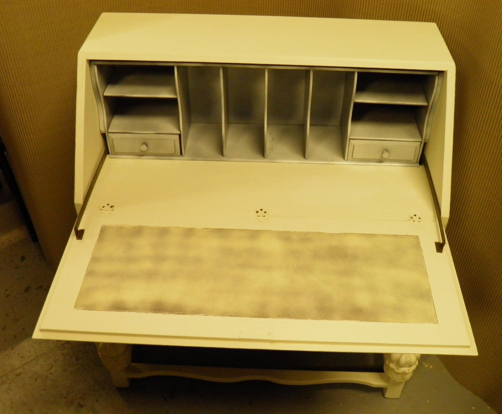 Super Vintage Shabby Chic Bureau With Andrew Martin