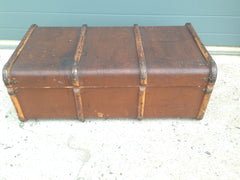 204.....Vintage Travel Trunk / Make Great Coffee Table....SOLD !