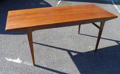 Stylish Mid-Century Dining Table