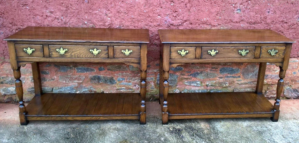 Fabulous Pair Of Vintage Solid Oak Side Tables / Serving Tables