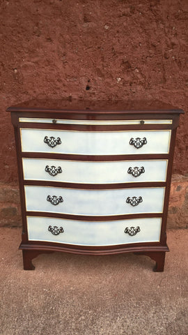 182....Gorgeous Vintage Chest Of Drawers