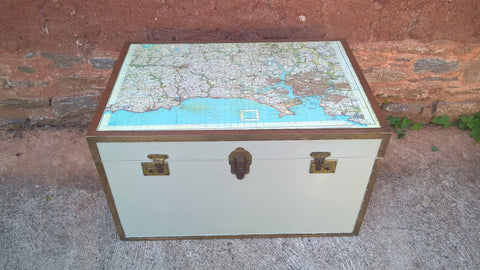 184.....Vintage Travel Trunk / Storage Chest / Coffee Table