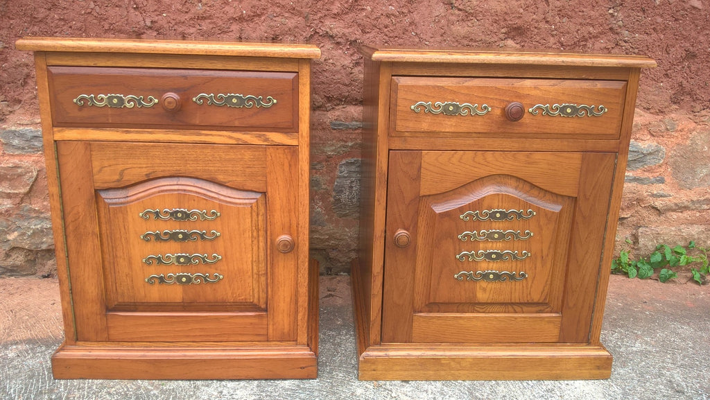 Pair Of Bedside Cabinets / Vintage Bedside Tables / Pair Lamp Tables