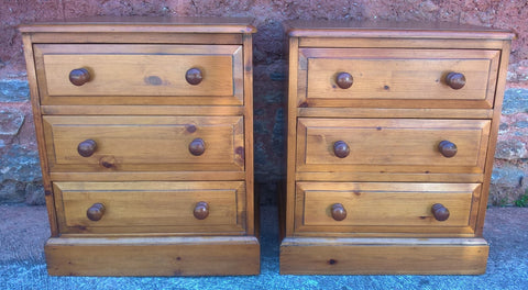 228.....Gorgeous Pair Of Heavy Pine Bedside Chests - Pine Bedside Cabinets