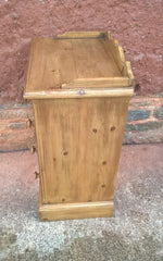 239.....Lovely Pair Of Antique Style Pine Bedside Chests