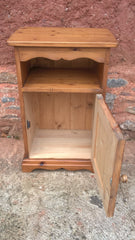 246.....Pair Of Pine Bedside Cabinets / Solid Pine Pot Cupboards