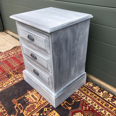 163.....Pair Of Vintage Bedside Chests / Refinished Bedside Tables ( SOLD )