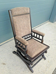 199.....Old American Rocking Chair / Antique Rocking Chair