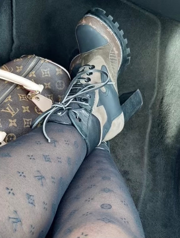 LV Cute Fashionable Tights