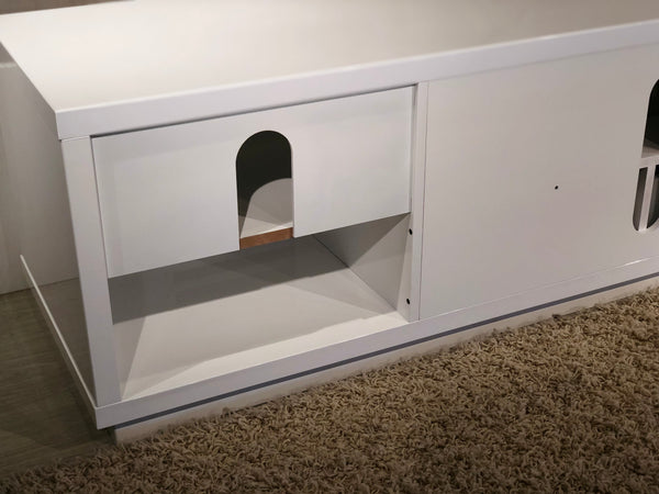 "82"" White Lacquer Media Console FT82WSLW"