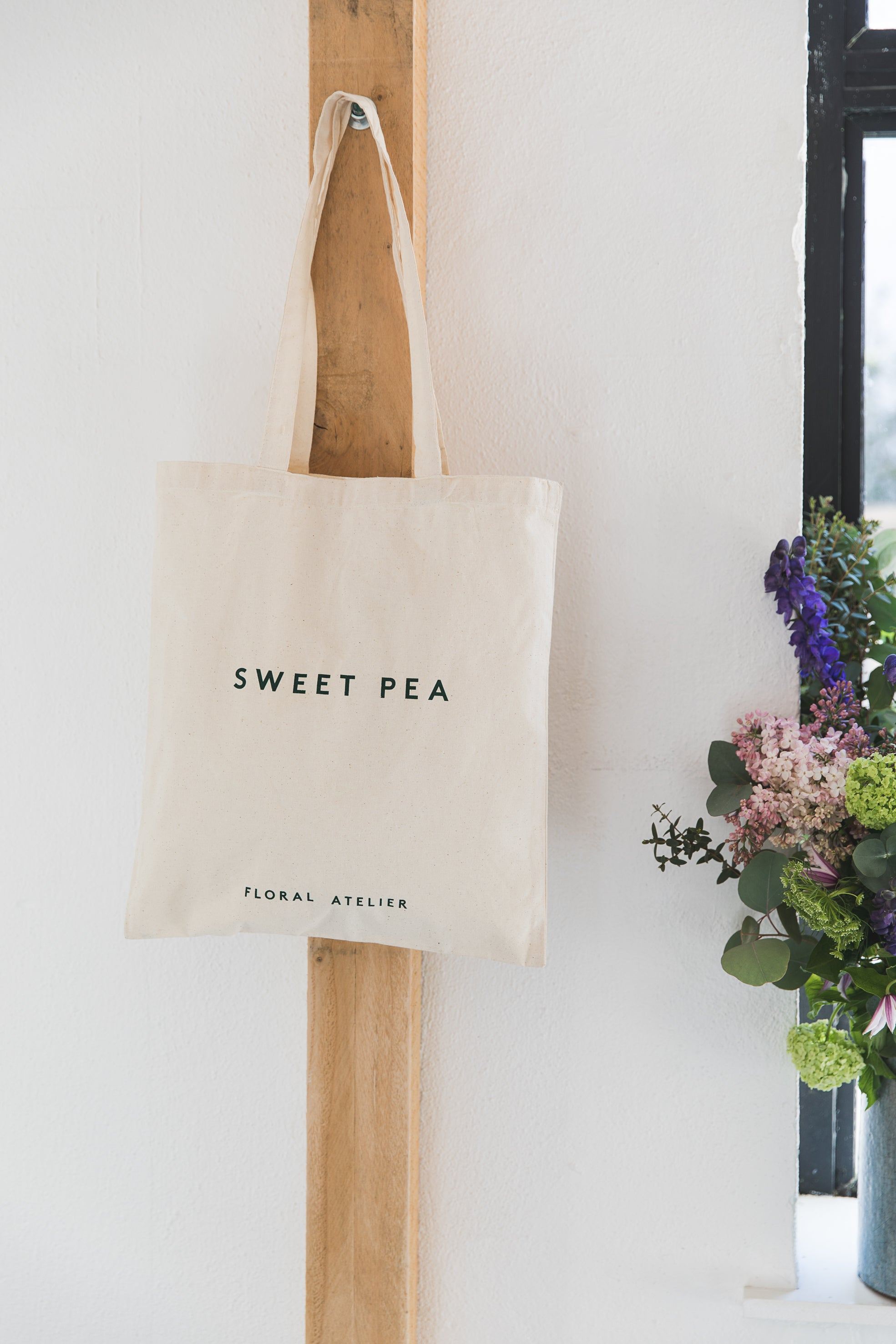 Sweet Pea Flowers Tote bag